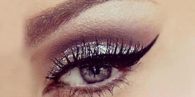 7 Segreti Per Applicare Perfettamente L'Eyeliner (Anche Per Le Inesperte)