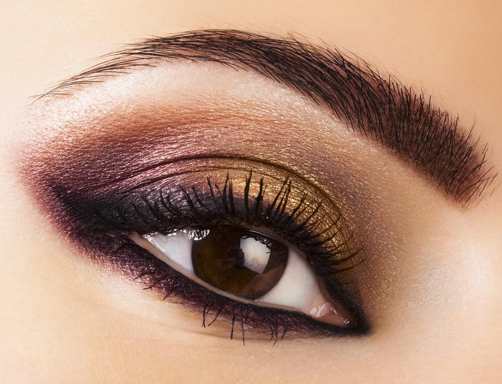 Popolare Il MakeUp Perfetto Per Risaltare Gli Occhi Marroni - Roba da Donne DW96