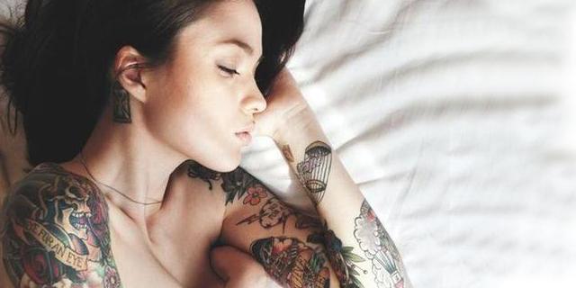5 Ragioni Per le Quali Dovreste Dormire Nudi