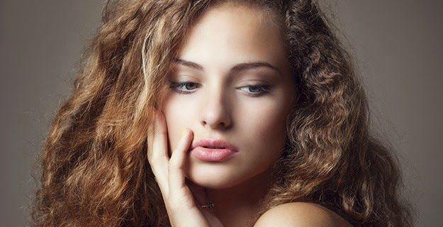 Capelli crespi: come eliminare l'effetto crespo