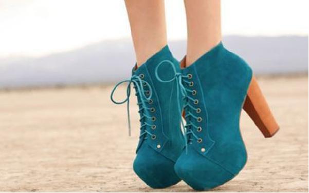 I segreti per indossare le scarpe con il tacco senza sentire dolore