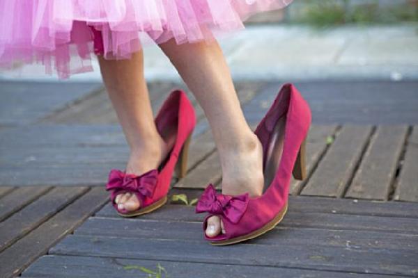comode scarpe sui tacchi