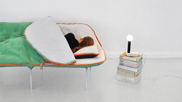 Il divano sacco a pelo per chi si addormenta ovunque roba da donne - Pipi sul divano ...