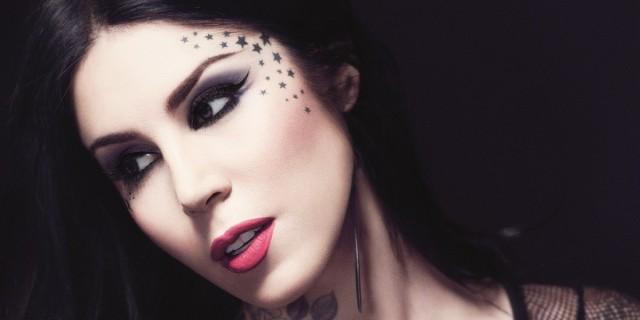 tatuaggio intorno agli occhi