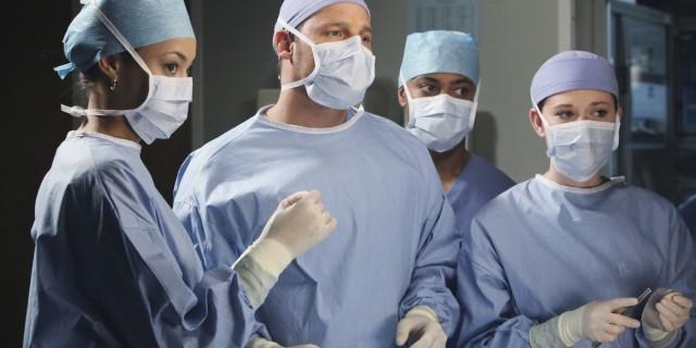 """""""Qui Dottore Gay, Pazienti Tutelatevi"""" Cartello Shock in Ambulatorio"""