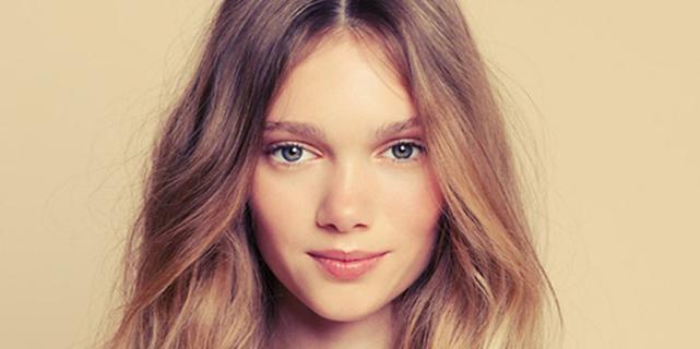 Capelli ecco l 39 effetto charme trend del 2015 roba da donne for Rimedi per orecchie a sventola