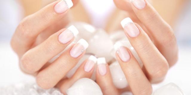 La Manicure Giapponese: la Cura Perfetta Per le Unghie Rovinate
