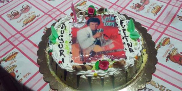 Per il 9° Compleanno Chiede la Torta con Little Pony ma si Ritrova... Little Tony!