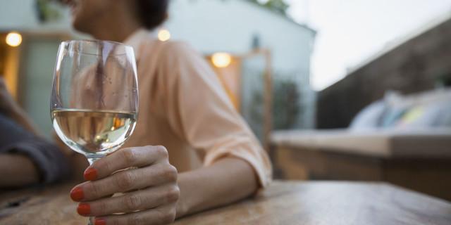 consumo di alcolici sindrome premestruale