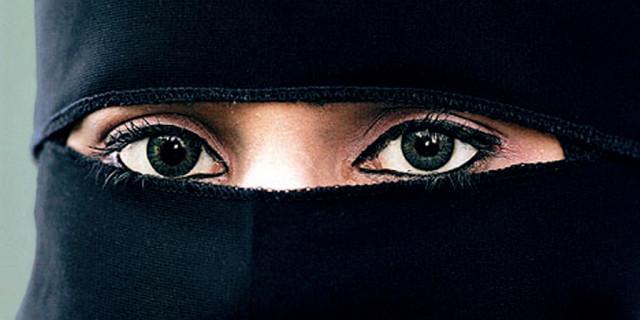 In Arabia Saudita ora le Donne Possono Votare: è la Prima Volta nella Storia