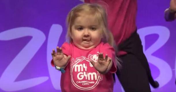 Ha 6 Anni e una Malattia Rara, ma Quando Balla la Zumba Lascia Senza Parole