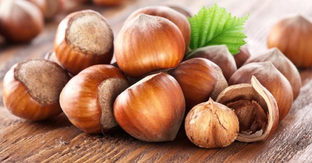 Alimenti per vivere a lungo: le nocciole