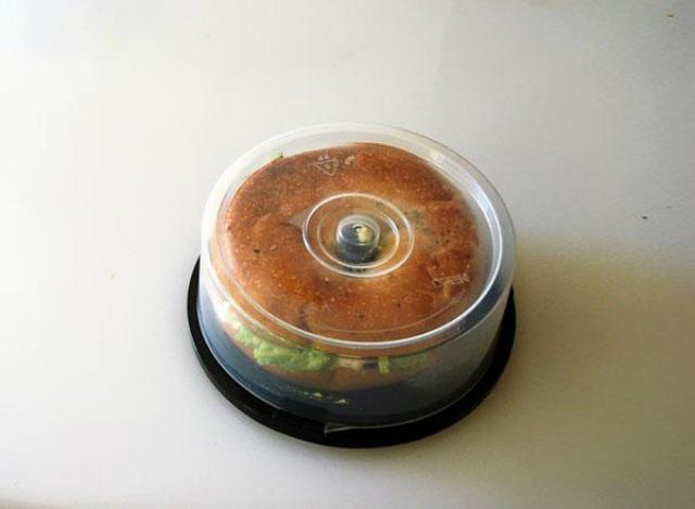 Il porta cd trasformato in un tupperware