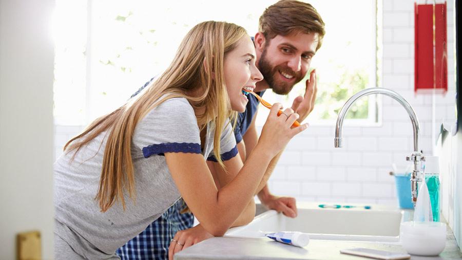 5 prodotti di bellezza che tutte le donne dovrebbero - Donne che vanno in bagno a cagare ...