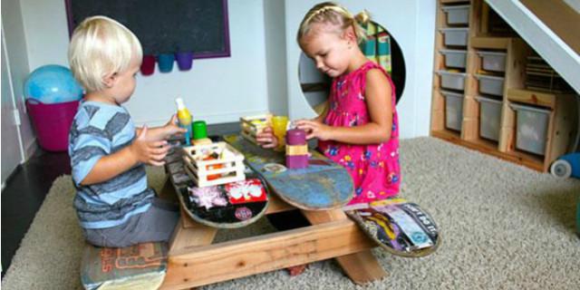Un tavolino per i bimbi con le tavole da skate