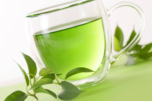 Alimenti che aiutano a vivere a lungo: te verde