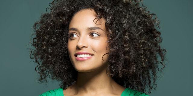 Trattamento capelli ricci permanente
