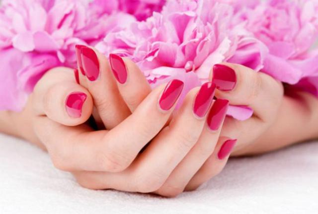manicure o pedicure
