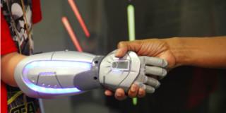 open bionics disney protesi supereroi
