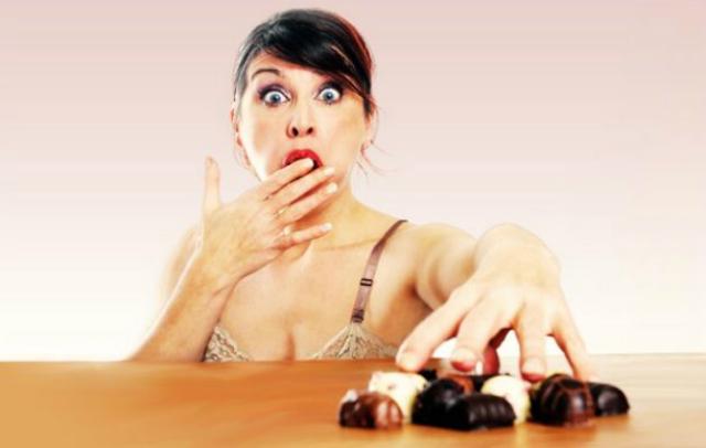 seno prosperoso cadono briciole mangiando