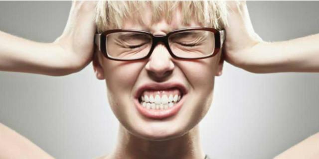 orecchio mal di testa