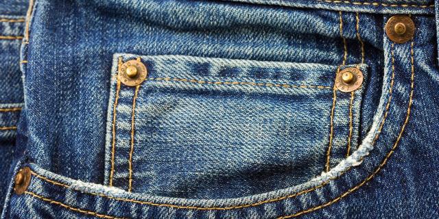 Altro che Accendini: Ecco a Cosa Serve Davvero il Taschino dei Jeans!