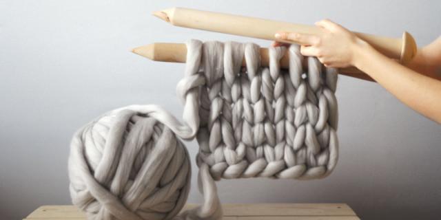 Lavorare a maglia con i ferri