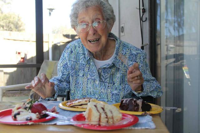 donna di 90 anni intraprende viaggio epico