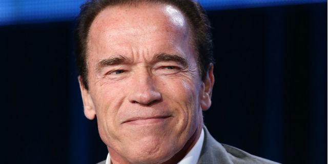 Arnold Schwarzenegger un bagnino provetto!