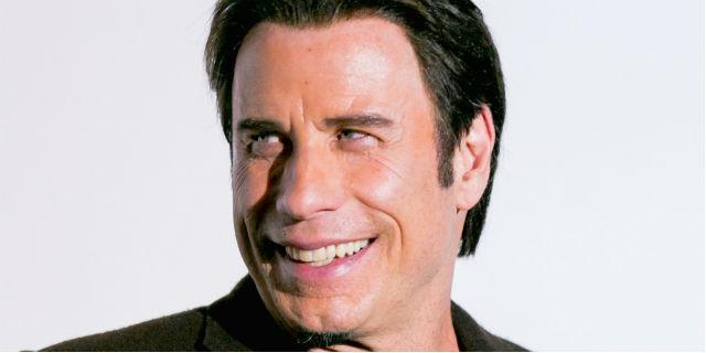 John Travolta presta soccorso alla popolazione di Haiti