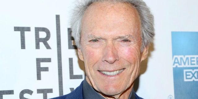 Clin Eastwood: salva un uomo dal soffocamento