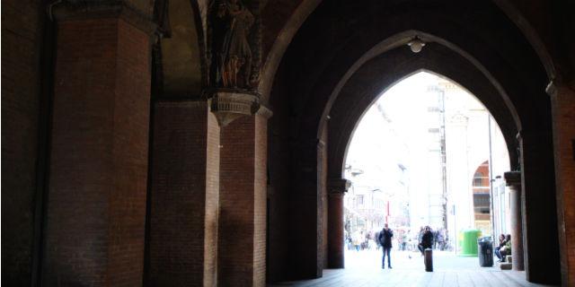 luoghi da visitare a Bologna il voltone del podestà