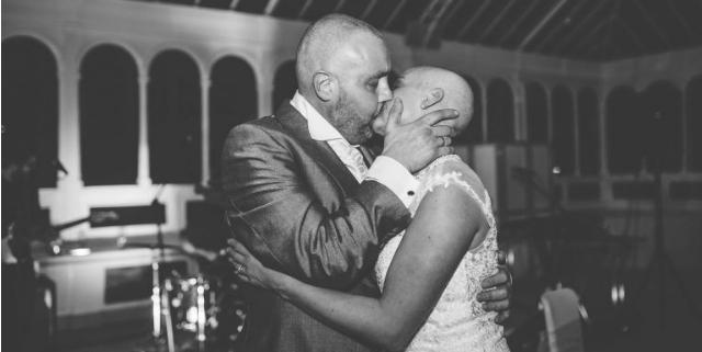 joan si rasa durante il matrimonio