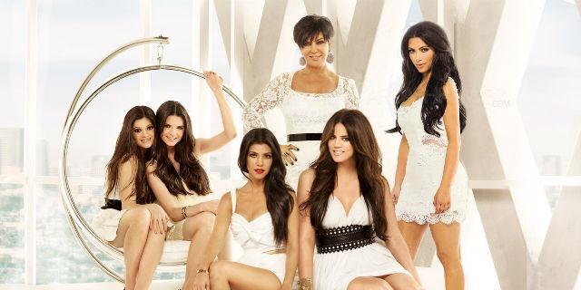 Ma Perché le Kardashian sono Così Famose? Questi 5 Motivi Potrebbero Spiegarcelo