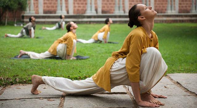 Abbigliamento yoga classico