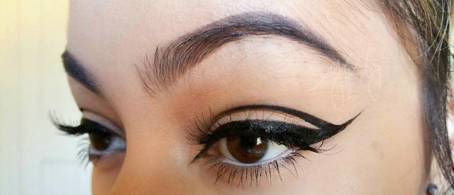 Eyeliner con cut crease