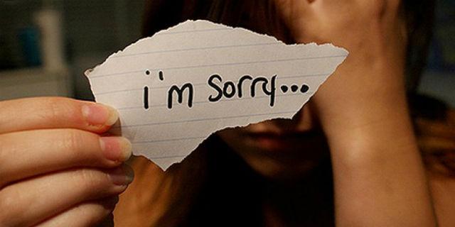 """Perché le Donne Chiedono Sempre Scusa? Ecco Come Liberarsi della """"Sorry Syndrome""""!"""
