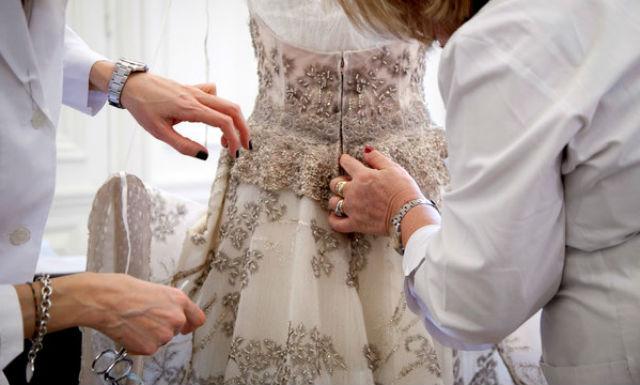 I tempi di creazione di un abito di haute couture