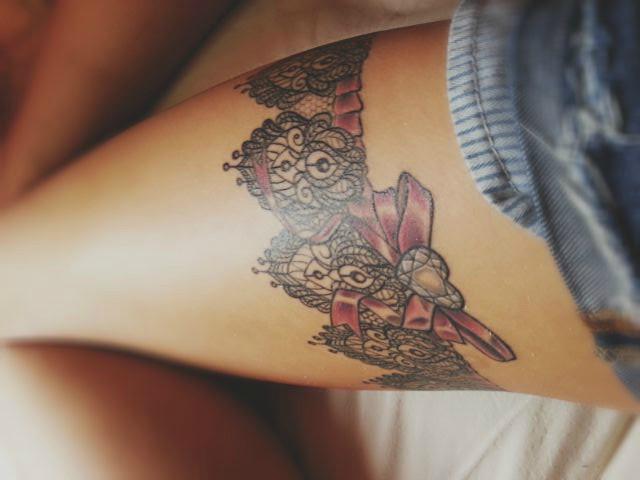 Giarrettiera tatuaggio