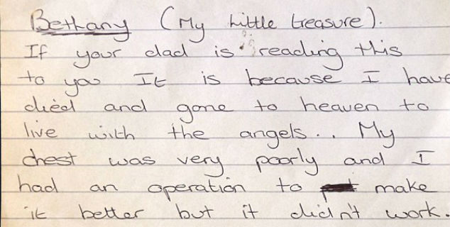 """""""Cercami tra le stelle"""": dopo 15 anni viene ritrovata in un libro una toccante lettera indirizzata alla figlioletta da una madre morente"""