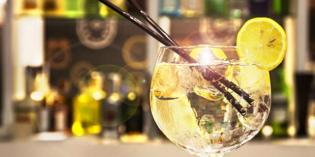 Il rimedio giusto all'allergia da fieno? È... il gin tonic! Lo dice la scienza