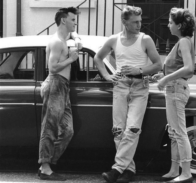 Jeans strappati storia