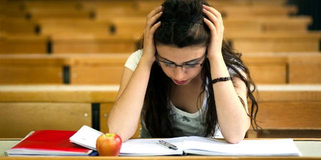 Sogni spesso di dover rifare un esame che hai già superato? Ecco cosa significa