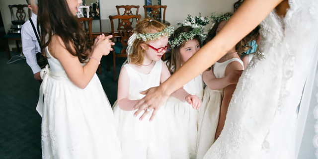"""l matrimonio dell'insegnante Kinsey con tutti i suoi bambini """"speciali"""""""