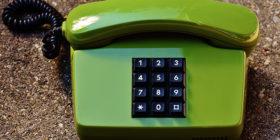 Perché i numeri sulla tastiera del telefono sono messi in quest'ordine?