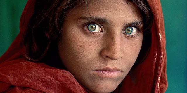 Arrestata la ragazza dagli occhi verdi fotografata da McCurry. Eccola ora
