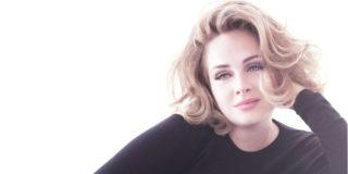 Adele, radiosa in pigiama per l'intervista a VF