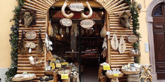 Terremoto: occhio alla bufala sull'acquisto dei prodotti di Norcia. L'elenco delle aziende sicure