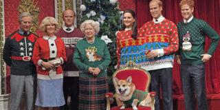 La famiglia reale posa con terribili maglioni di Natale... Ma un motivo c'è
