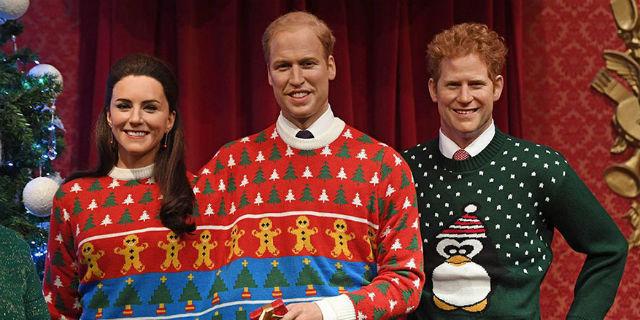 Foto Natale Famiglia Reale Inglese 1990.I Reali In Posa Con Maglioncini Terrificanti Ecco Il Motivo Roba Da Donne